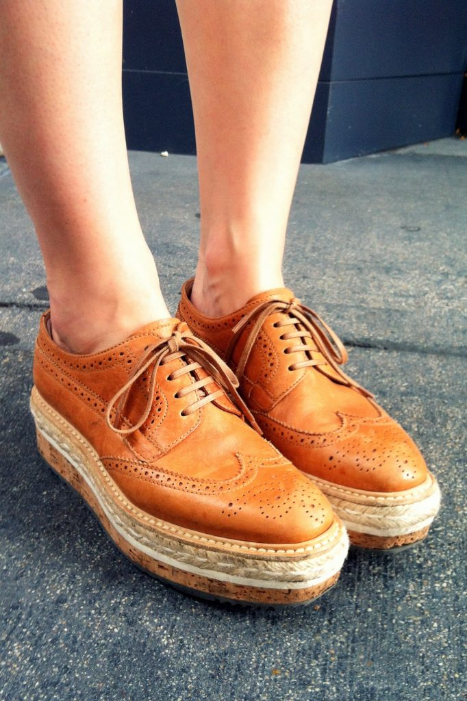 Chicago Street Style Prada Leather Oxford Brogue Gold Coast